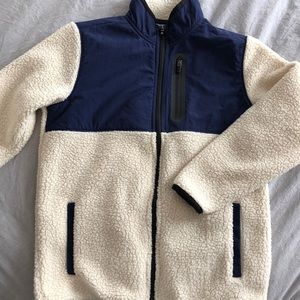 Old Navy boy's sweater. Size M (8)